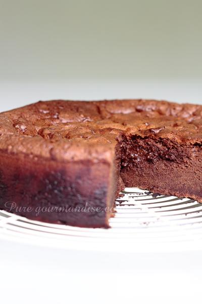 Gâteau fondant au chocolat Poulain noir extra au Carambar